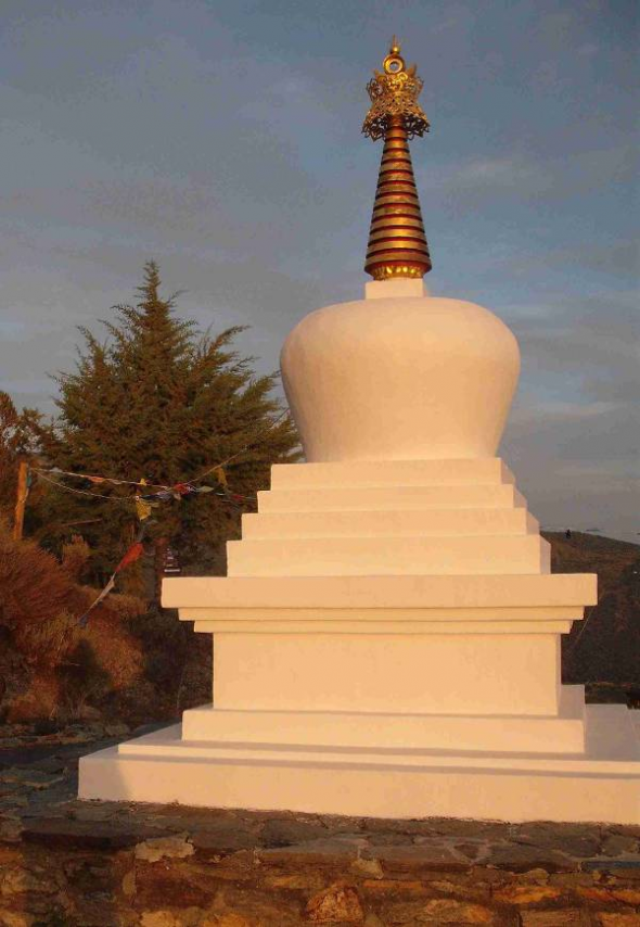 Centro budista GR. Estupa