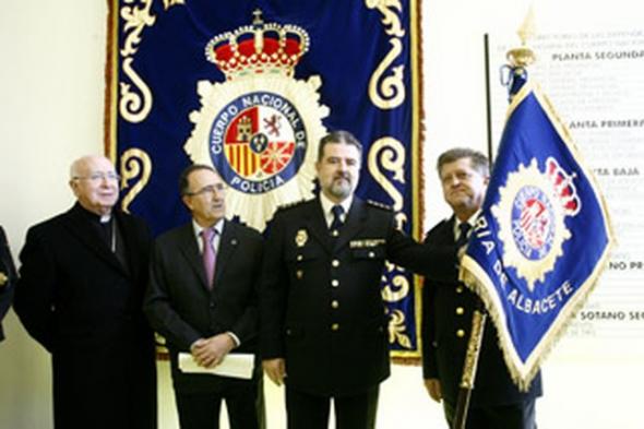 Policia estandarte semana santa Albacete