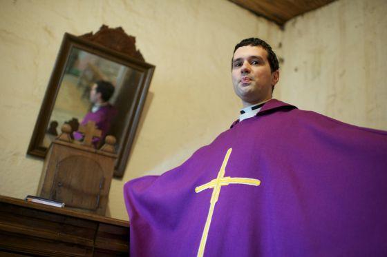 José Manuel Armesto capellán Ourense