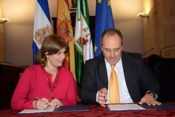 Firma convenio Ayuntamiento Jerez Hermandades 2013