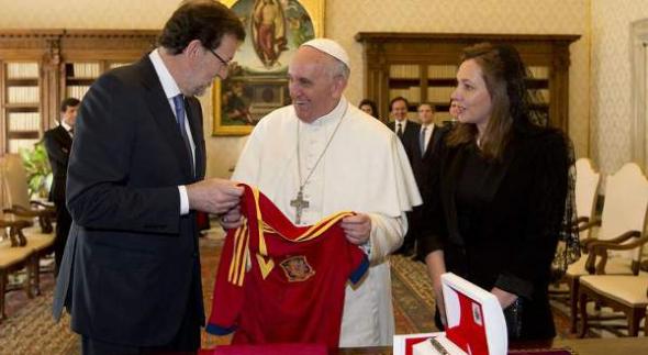 Rajoy con Bergoglio 2013