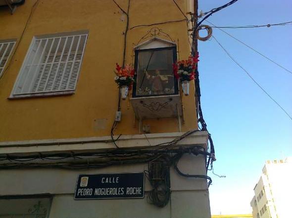 Alcantarilla imagen religiosa calle Pedro Nogueroles