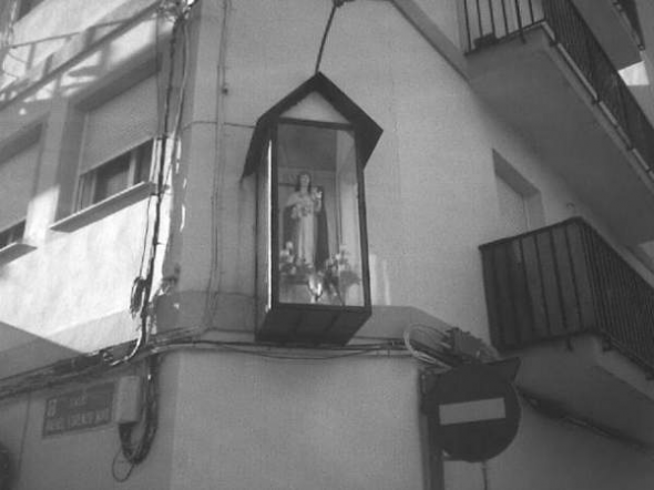 Alcantarilla virgen en calle Río Mundo