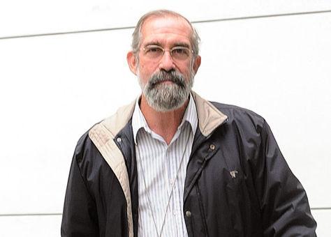 Ignacio López cura cubano