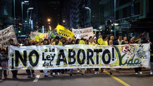 Mani anti aborto Uruguay 2012
