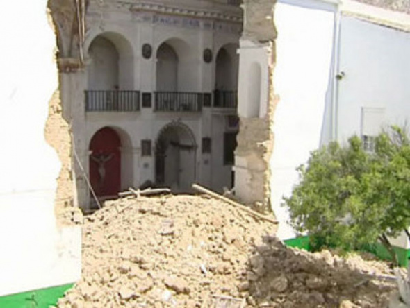 iglesia aplasta escuela Medina Sidonia 2013