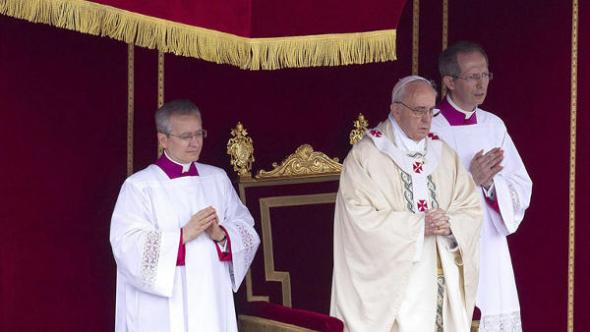 Bergoglio canoniza