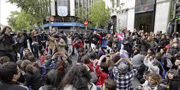 Protesta aborto sede PP Madrid 2013