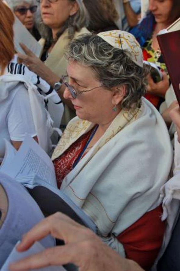 mujeres rezando Muro Lamentaciones 2013