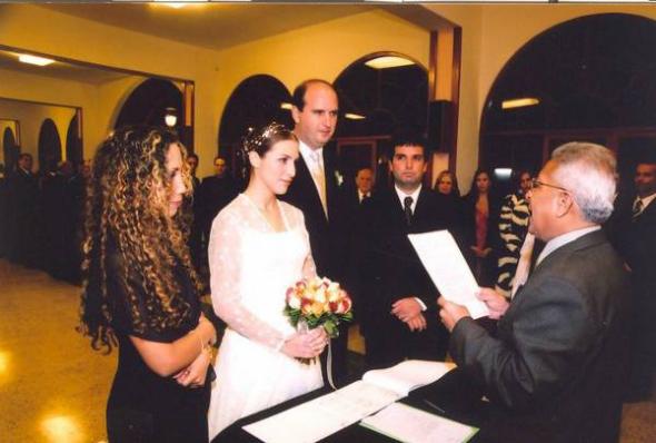 Matrimonio Civil O Religioso Biblia : La iglesia católica cada vez atrae menos a quienes