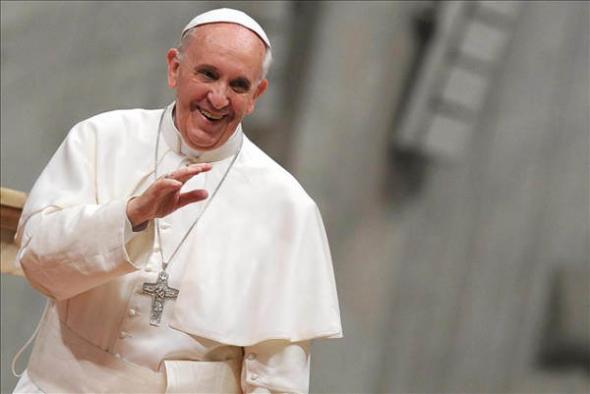 Bergoglio papa saluda junio 2013