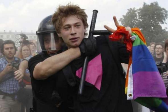 Activista gay detenido Rusia 2013