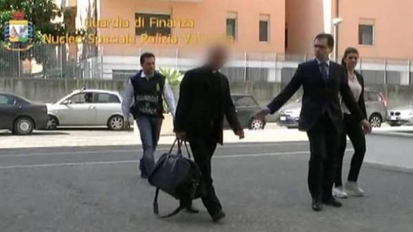 Nunzio Scarano obispo detenido