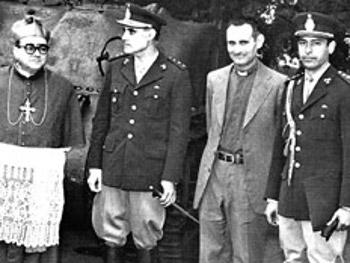 sacerdotes y militares dictadura Argentina
