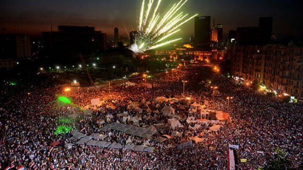Plaza Tahrir El Cairo celebrando golpe militar 2013