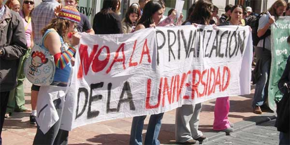 pancarta no privatizar universidad