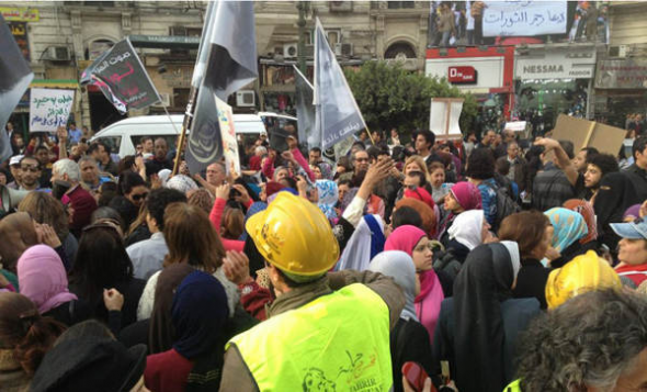 Mani violencia sexual Egipto Tahrir 2013