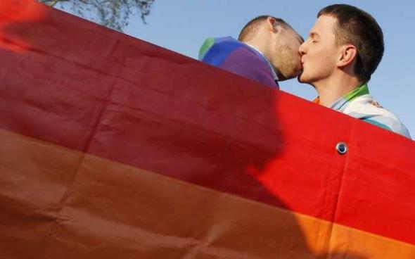 beso gay