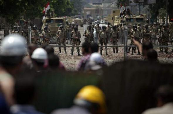 Mani contra golpe militar Egipto 2013