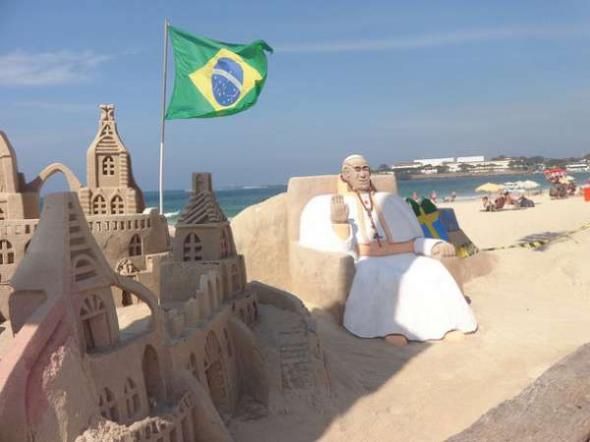 Bergoglio visita Brasil 2013 arena