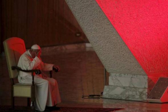 Bergoglio pensativo