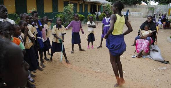 Niñas Gambia escuela