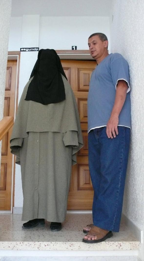 Fatima con niqab en Cunit
