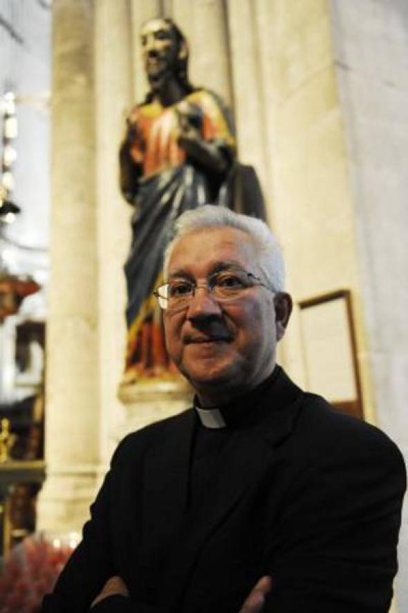Benito deán catedral Oviedo