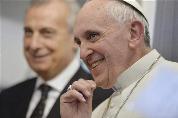 Bergoglio avión Brasil