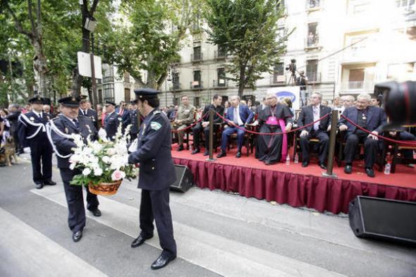 Ofrenda floral Virgen Angustias Granada 2013 policia