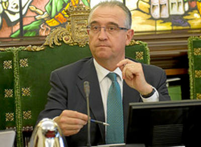 Enrique Maya alcalde Pamplona