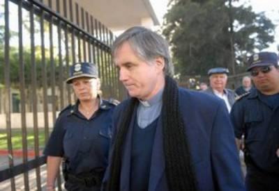 Grassi cura pederastia Argentina