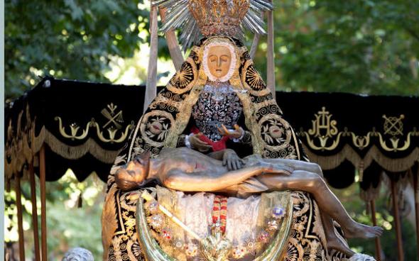 procesión Virgen Angustias Granada