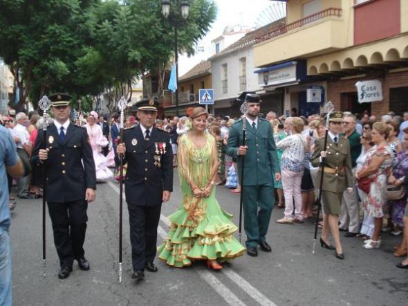Procesión Fuengirola 2013 Alcaldesa y autoridades civiles y militares