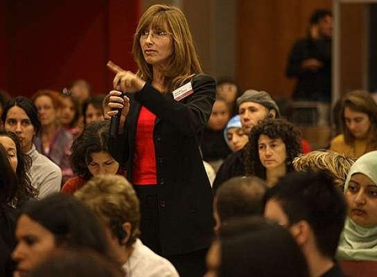 Una mujer interviene en uno de los debates del último congreso de feminismo islámico, en 2009.