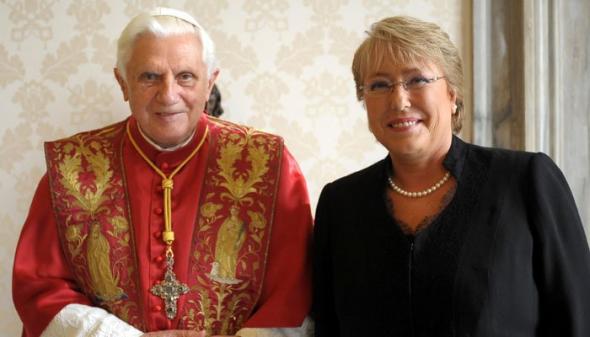 Bachelet con Ratzinger en 2008
