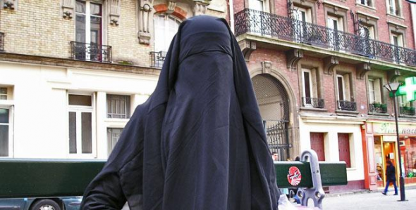 burka Francia