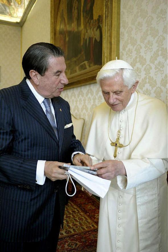 Francisco Vazquez embajador PSOE Benedicto XVI 2010