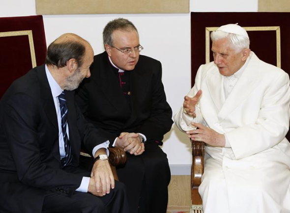 Rubalcaba PSOE Benedicto XVI Santiago 2010