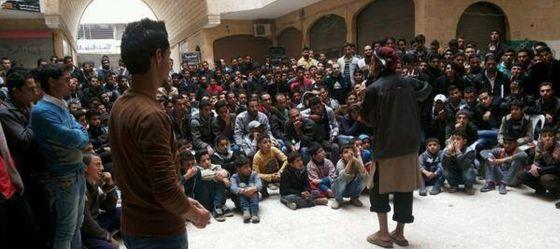 charla militar universidad Siria 2013