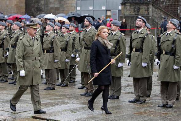 Ofrenda traslado restos Santiago ejército