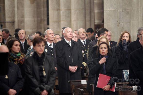 Ofrenda traslado restos Santiago policía