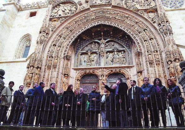 autoridades en iglesia Aranda de Duero 2014