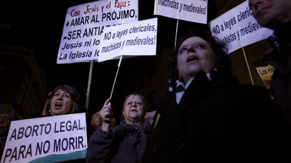 Protesta aborto ante Ministerio Justicia 2014