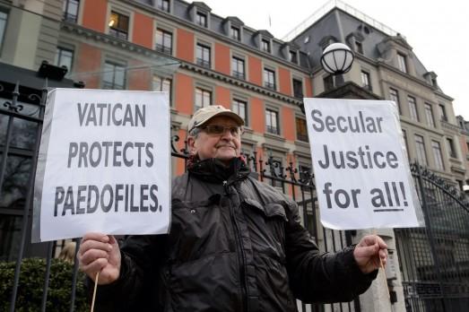 Protesta pederastia iglesia ONU Ginebra 2014