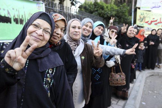 mujeres esperando votar Egipto 2014