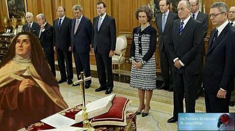 Santa Teresa jurando el cargo de asesora del Ministro del Interior