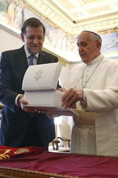 Rajoy y Bergoglio 2013