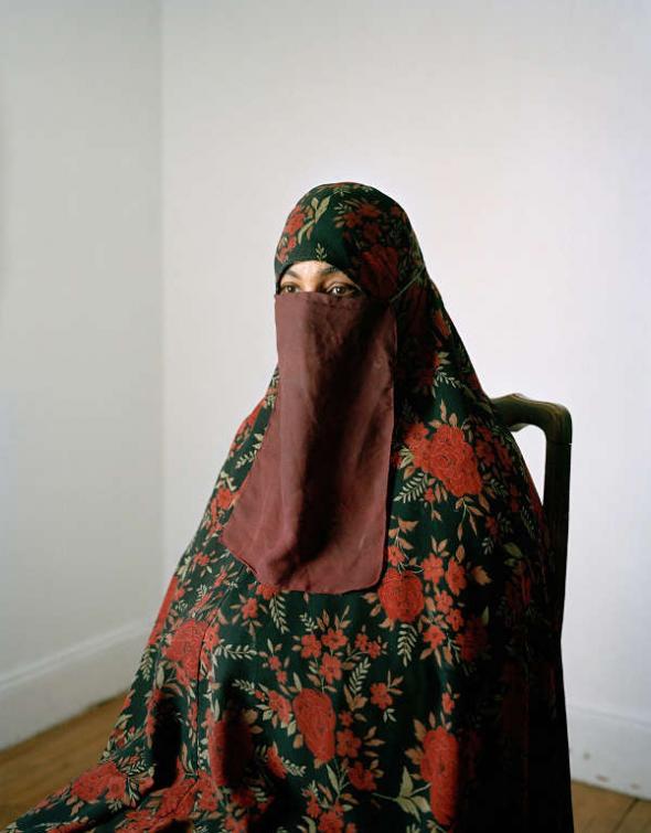 Conversos USA April niqab