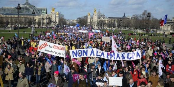 mani homófoba París 2014